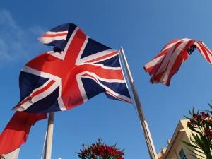 angielska i amerykańska flaga